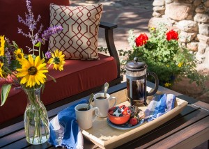 outdoor dining at Santa Fe bed and breakfast
