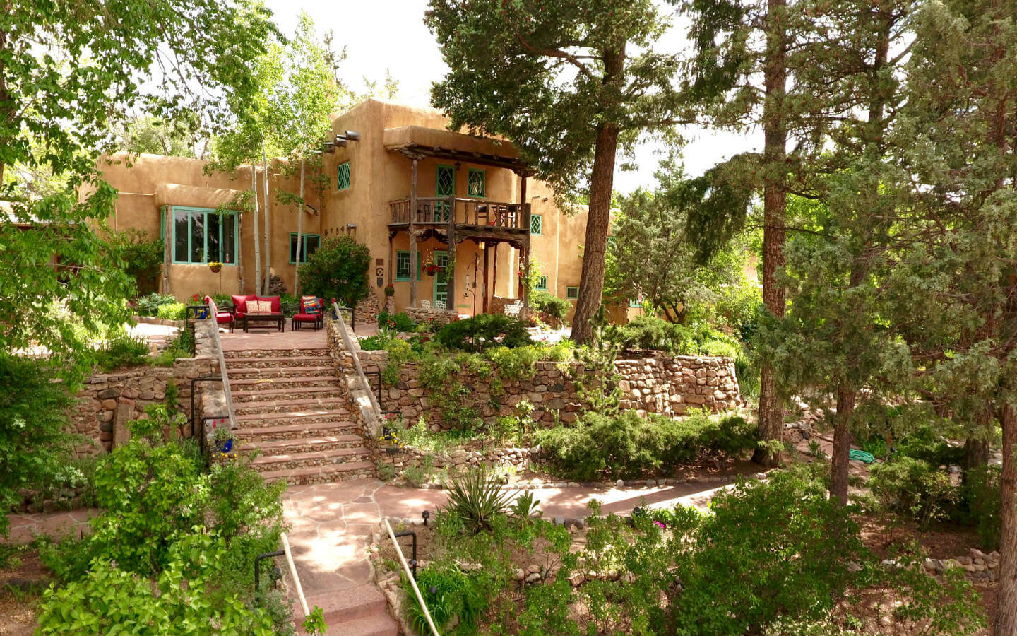 Santa Fe Pet Friendly Lodging - Pet Friendly room.