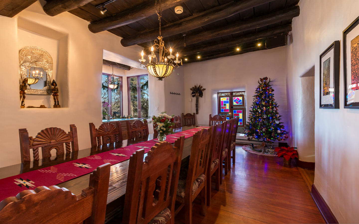 Dining room decorated at christmas time