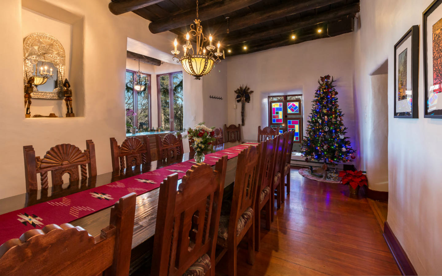 Inn's dining room with christmas decorations