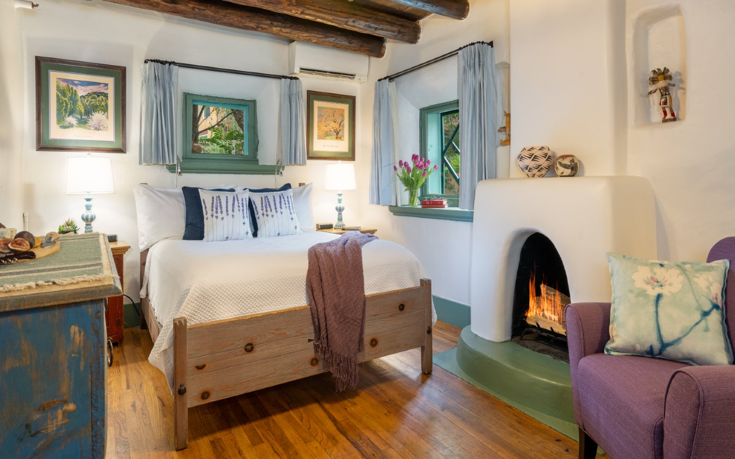 O Henry guest room queen bed, fire in fireplace, sitting chair 2 windows